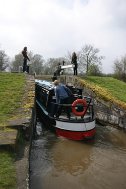 Entering the emptied lock