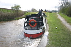Mooring for the lock to be made ready
